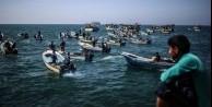 İsrail, Gazze'li balıkçıları yasakladı