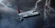 İstanbul'da yolcu uçağına yıldırım isabet etti!