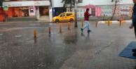 İstanbullular güne sağanak yağışla uyandı