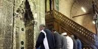 Düğün takılarıyla yaptırılan 735 yıllık Cami...