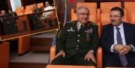 Jandarma Genel Komutanı Güler, Selami Altınok'un yanında oturdu