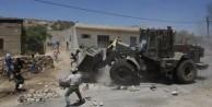 Katil İsrail askerleri Filistinli tutuklunun evini havaya uçurdu