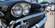 Klasik otomobiller göz dolduruyor!