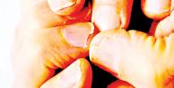 Kozmetik ürünler tırnakları mahvediyor