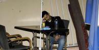Limonata içerken masada öldü