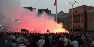 Makedonya'da da sokaklar karıştı
