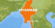 Myanmar'da polis protestocuların üzerine ateş açtı: 7 ölü