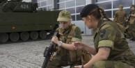 O ülkede 18 yaşını dolduran her kadına askerlik