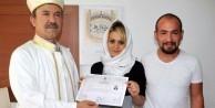 Özbek kızı Müslüman oldu