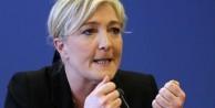 Paris saldırısı ırkçı adaya yaradı!