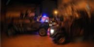 Polis aracına uzun namlulu silahla saldırı!