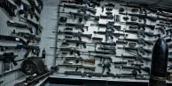 Polis memuru, şubedeki yüzlerce silahı kaçırıp sattı!