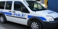 Polisten kurtulmak için karakola sığındı