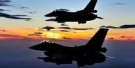 Rus uçakları yardım tırlarını bombaladı!