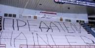 Ruslardan Beşiktaş maçında şok pankart!