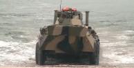 Rusya'dan gözdağı! Denizden tankları çıkardı