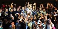 Şampiyon Adanaspor, kupasını aldı