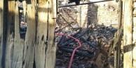 Tarihi kasabada çıkan yangında bir ev kullanılmaz hale geldi