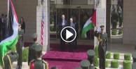 Trump, Filistin lideri Mahmud Abbas'la görüşüyor