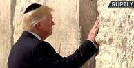 Trump kipa takıp duvarda ağladı