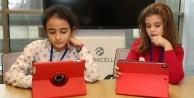 Turkcell çocuklarını geleceğe hazırlıyor