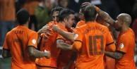 Türkiye maçı öncesi Hollanda'ya çifte şok!