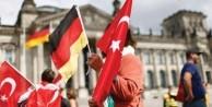 Türkler Almanya'da parti kuruyor