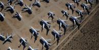 Uçaklar yok olmayı bekliyor