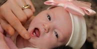 Yeni doğan bebeğin ağzını açınca şok oldular