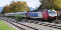 Yunanistan'da yolcu treni Türk plakalı tıra çarptı