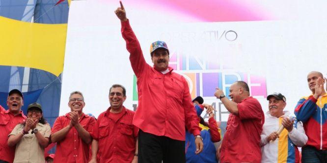 Venezuela sokakları yangın yeri: 7 ölü