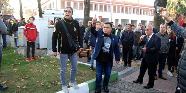 10 Kasım töreninde '09.03' krizi