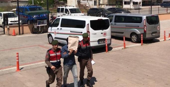 10 şehirde aranıyordu, Edirne'de yol kontrolünde enselendi