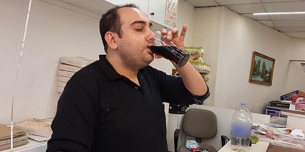 10 yaşından beri yemek yemiyor, su içmiyor; günde 5 litre kola ile yaşamını sürdürüyor