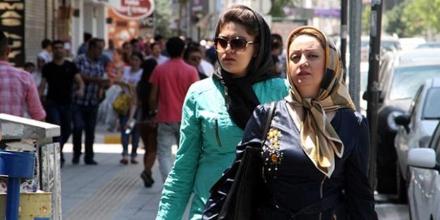 100 bin İranlı Türkiye'ye geliyor