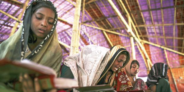 150 bin Arakanlı Müslümana, TDV yardım eli uzattı