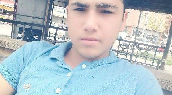 17 yaşındaki genç evinde bıçaklanmış halde bulundu