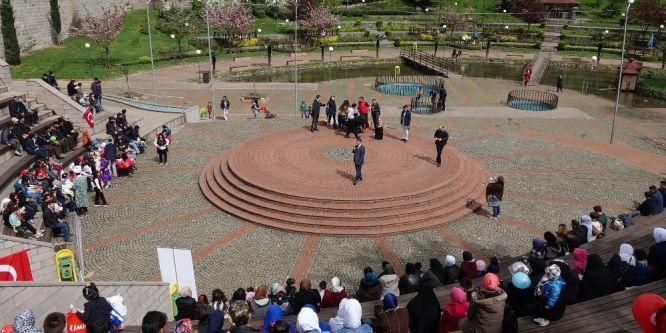 Yabancı uyruklu çocuklar 23 Nisan'ı kutladı