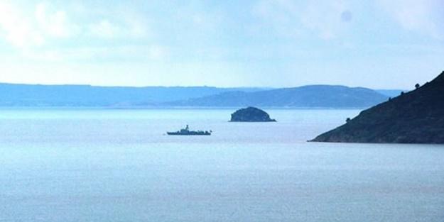 2 savaş gemisi Kardak'ta!