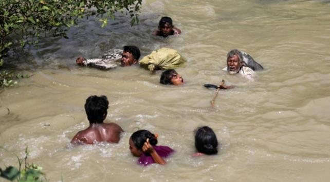 200 bin Arakanlı Müslüman Muson tehdidiyle karşı karşıya