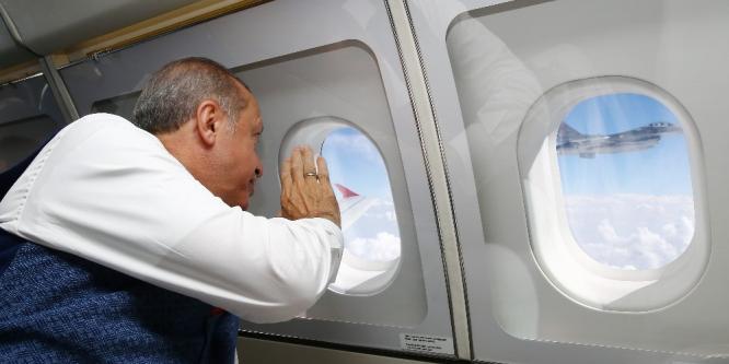 Cumhurbaşkanı Erdoğan'a F-16'lar eşlik etti