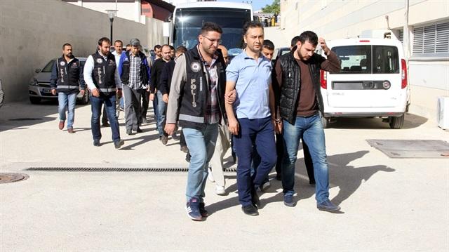 23 öğretmen FETÖ'den tutuklandı