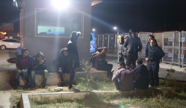 252 kaçak göçmeni zorla Türkiye'ye gönderdiler!