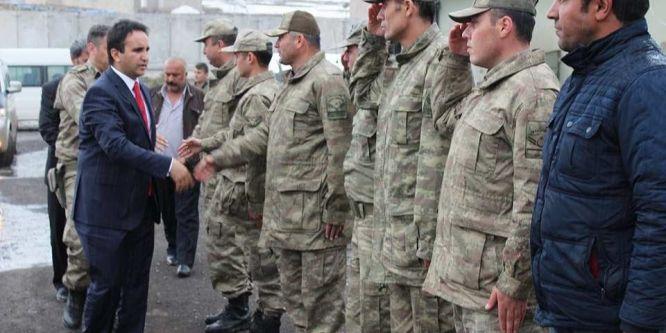 Kaymakam Dundar'dan askere ziyaret