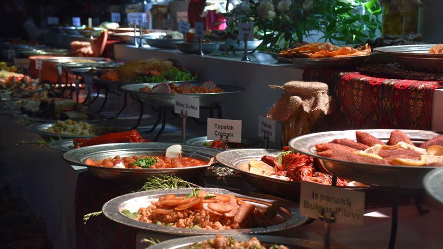 3. Adana Lezzet Festivali'nde kentin yöresel lezzetleri tanıtıldı