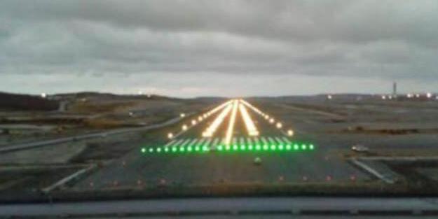 3. Havalimanında ışıklar yakıldı
