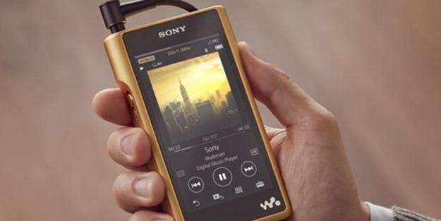 Sony'den altın kaplama walkman!