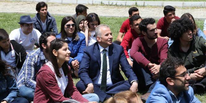 Başkan Osman Zolan, gençlerle buluştu