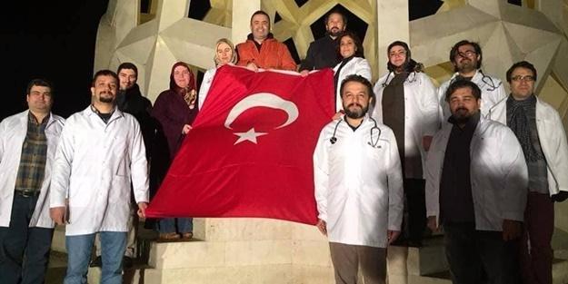 41 İlden 450 Doktor İstiklal Marşı'nı okudu