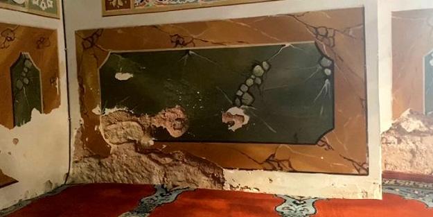 465 yıllık cami rutubete yenik düştü! Mimar Sinan'ın tarihi eseri eriyor